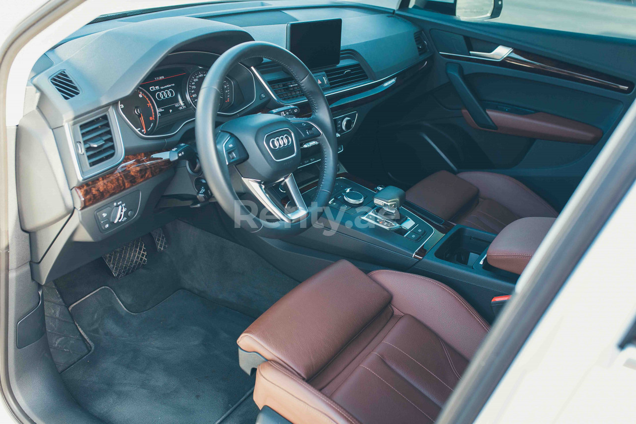 Audi Q5 for rent in Dubai at Renty - photo 5