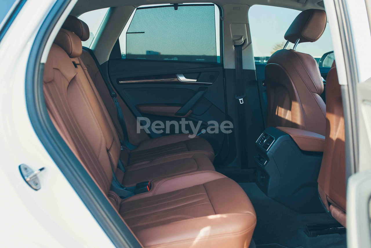 Audi Q5 for rent in Dubai at Renty - photo 6