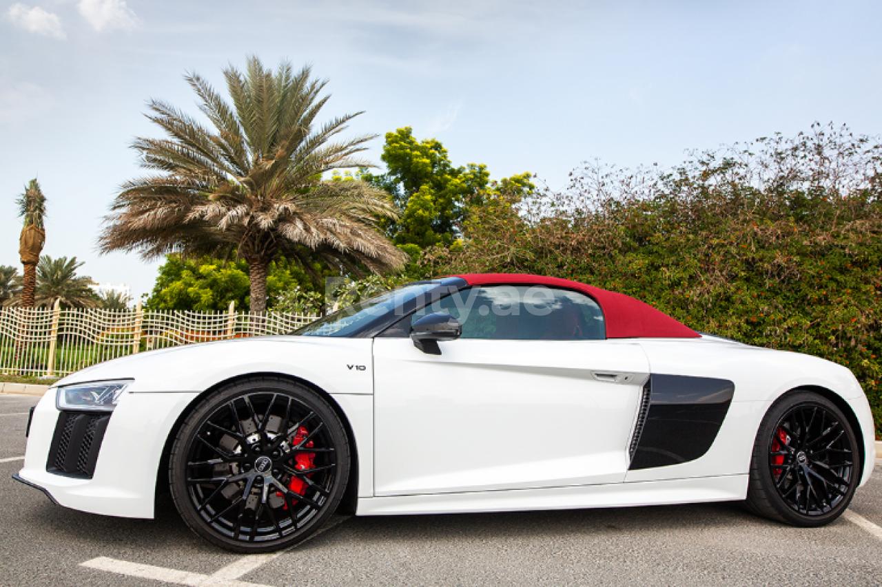 Audi R8 V10 Spyder for rent in Dubai at Renty - photo 2