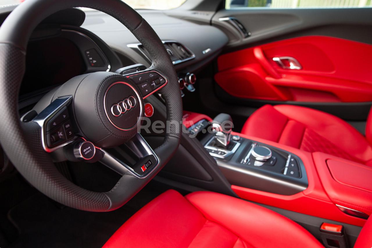 Audi R8 V10 Spyder for rent in Dubai at Renty - photo 7